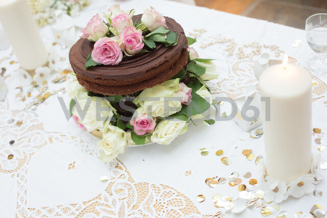 Wedding chocolate cake with floral decoration - CUF47471