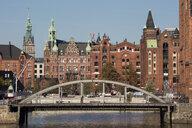 Deutschland, Hamburg, HafenCity, Speicherstadt, Speicherstadt-Rathaus, Verwaltungsgebäude, Busanbrücke - WI03735