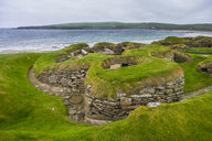 Unesco world heritage sight the stone build neolithic settlment of Skara Brae, Orkney Islands, United Kingdom - RUNF00991
