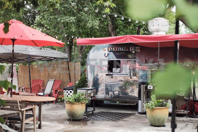 Vintage camper van food truck - ISF20273