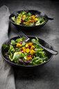 Mixed salad with roasted tofu, red cabbage, pomegranate seeds and curcuma - LVF07673