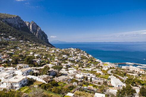 Italy, Campania, Gulf of Naples, Capri Island, panoramic city view - FLMF00096