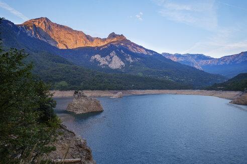 Montenegro, Pluzine province, reservoir Pivsko jezero at sunrise - SIEF08378