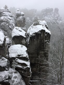 Germany, Saxony, Saxon Switzerland, Bastei area in winter - JTF01177