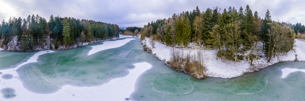 Germany, Baden-Wuerttemberg, Ostalbkreis, Swabian forest, Aerial view of forest and Eisenbach reservoir in winter - STSF01835