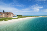 USA, Florida, Florida Keys, Dry Tortugas National Park, Turquoise waters and white sand beach before Fort Jefferson - RUNF01013
