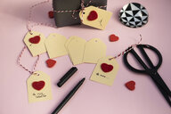 Labelling tags for Valentine gifts - MOMF00603