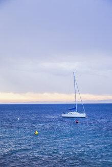 Italy, Veneto, Brenzone, ship in Garda Lake on a cold winter day - FLMF00120