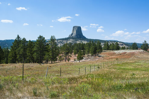 USA, Wyoming, Devils Tower National Monument - RUNF01044