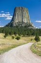 USA, Wyoming, Devils Tower National Monument - RUNF01050