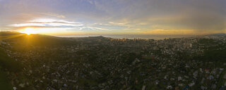 USA, Haswaii, Oahu, Honolulu, view from Tantalus Lookout at sunrise, Puu Ualakaa State Park - FOF10270