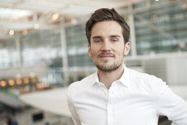 Portrait of confident young businessman - PNEF01241