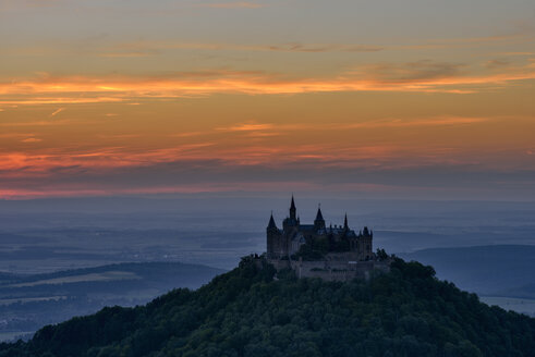 Hohenzollern Castle at sunset, Hechingen, Swabian Jura, Baden-Württemberg, Germany - RUE02107