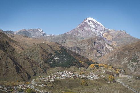 Georgia, Greater Caucasus, Stepantsminda, Gergeti Trinity Church and Mount Kazbek - KEBF01124