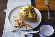 Baked potato with curd, sauerkraut, veal and vegetables - PPXF00157