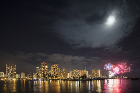 USA, Hawaii, Oahu, Honolulu at night with fireworks - FOF10324
