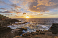 USA, Hawaii, Oahu, Lanai, Pacific Ocean at sunrise - FOF10371