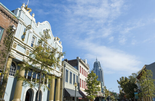USA, Alabama, Historical buildings in downtown Mobile - RUNF01198