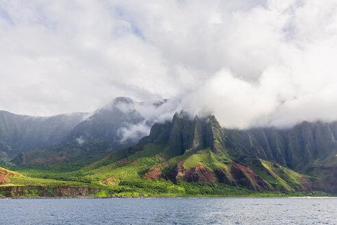USA, Hawaii, Kauai, Na Pali Coast State Wilderness Park, Na Pali Coast - FOF10397