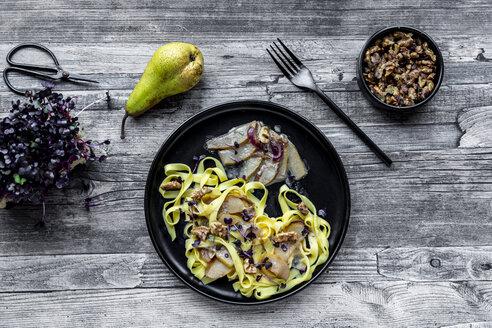 Tagliatelle with pear gorgonzola sauce, walnuts and red cress - SARF04110