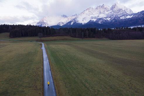 Austria, Oberndorf, enjoying morning view on the mountains - PSIF00234