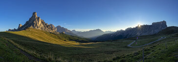 Italy, Veneto, Dolomites, Giau Pass, Gusela, Cristallo and Lastoi de Formin at sunrise - LOMF00837