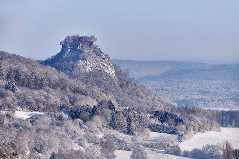 Germany, Baden-Wuerttemberg, Konstanz district, Hegau volcano Hohenkraehen in winter - ELF02011