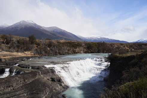 Chile, Patagonia, Landscape of river and mountains of Torres del Paine National Park - IGGF00770