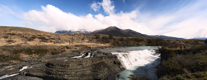 Chile, Patagonia, Landscape of river and mountains of Torres del Paine National Park - IGGF00794