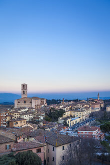 Italy, Umbria, Perugia, view of the city valley and its surrounding hills at sunset - FLMF00142