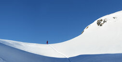 Switzerland, Bagnes, Cabane Marcel Brunet, Mont Rogneux, ski touring in the mountains - ALRF01376