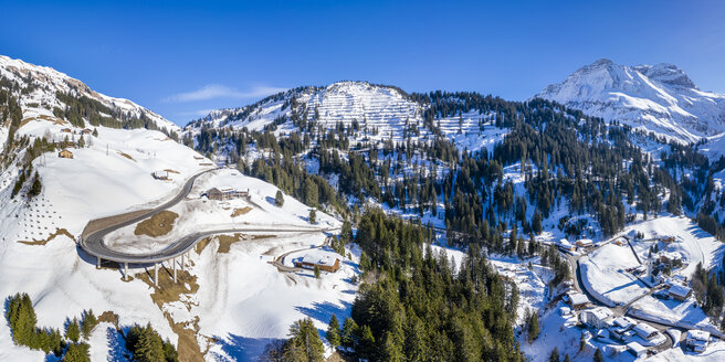 Austria, Vorarlberg, Allgaeuer Alps, winter at Hochtannberg Pass - STSF01852