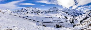 Austria, Vorarlberg, Allgaeuer Alps, winter at Hochtannberg Pass - STSF01858