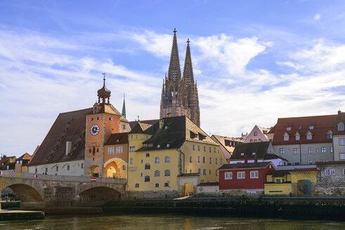 Germany, Bavaria, Regensburg, Old town, Salzstadel, Stone Bridge, Bruck Gate and Regensburg Cathedral, Danube river - LBF02384