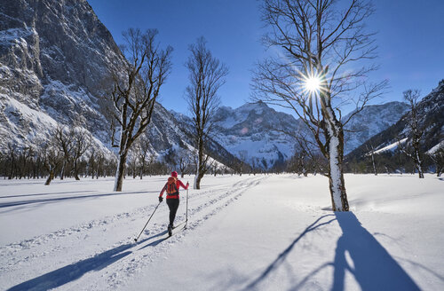 Austria, Tirol, Riss Valley, Karwendel, cross country skier in winter landscape - MRF01917