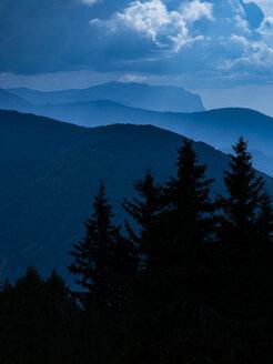 Italy, Trentino, South Tirol, Pustertal, sciliar mountain range from the summit of mount Astjoch - LOMF00841