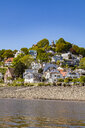 Germany, Hamburg, Blankenese, residential houses at the Elbe shore seen from the water - WDF05169