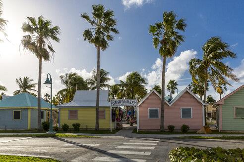 Verkaufshäusschen und Verkaufsstände,  Straw Market, Hafen Port Lucaya, Freeport, Grand Bahama, Bahamas, Karibik, Atlantik, Mittelamerika - MAB00528