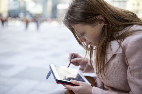 Austria, Vienna, Woman, Digital Tablet, Stephansplatz - ZEDF01954