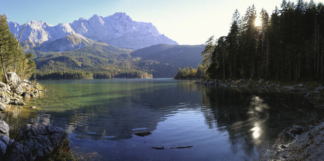 Germany, Bavaria, Lake Eibsee - DLF00035