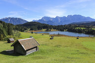 Germany, Bavaria, Geroldsee, wooden hut - DLF00047