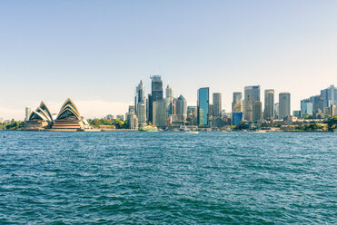 Australia, New South Wales, Sydney, skyline of Sydney with the port, financial district and the Opera house - KIJF02340