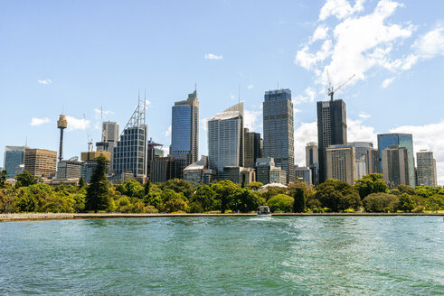 Australia, New South Wales, Sydney, skyline of the financial district of Sydney - KIJF02346