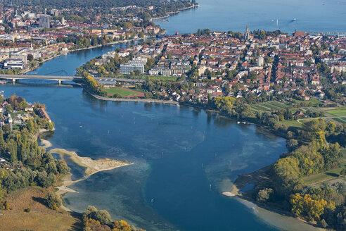 Deutschland, Baden-Württemberg, Bodensee, Konstanz, Luftaufnahme Seerhein und Innenstadt - SH02117