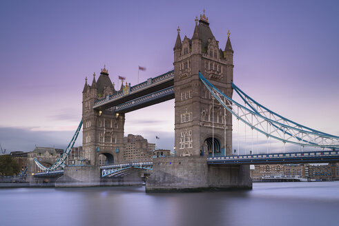 UK, London, Tower Bridge at dusk - MKFF00447