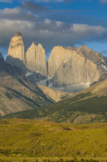 Chile, Patagonia, Torres del Paine National Park, mountainscape in early morning light - RUNF01494