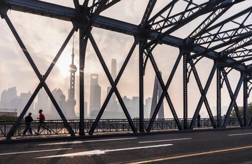 Waibaidu Bridge and Pudong skyline, Shanghai, China - CUF49828