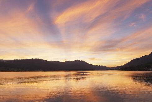 Austria, Alps, Salzburg, Salzkammergut, Salzburger Land, sunset at Wolfgangsee, St. Wolfgang village in distance - GWF06002