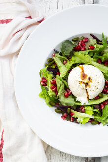 Oriental salad with mint, pistachios, pomegranate seeds and burrata - LVF07880