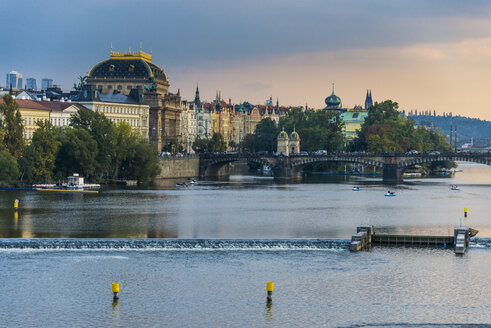 Czech Republic, Prague, dramatic light over the Vltava and the old town - RUNF01507